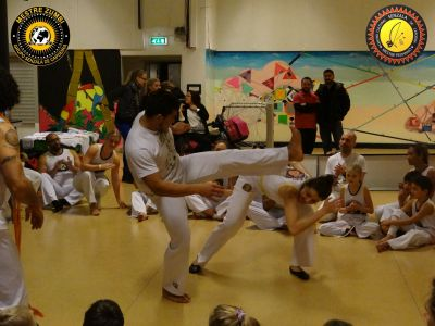 2013-12-14 - Capoeira 084